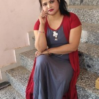 Full college girls modal housewife high profile business family girl call komal